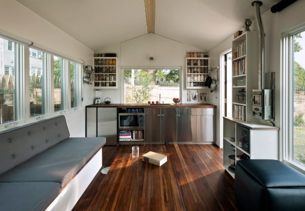 minim-house-interior1-via-smallhousebliss